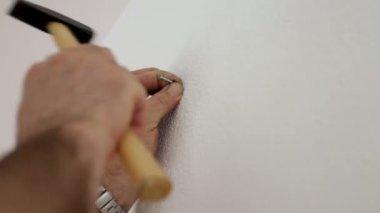 Pendaison peint photo sur un mur — Vidéo