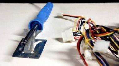 Réparation des circuits électroniques - coup de dolly — Vidéo