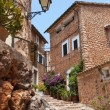 Narrow street old traditional houses village, Majorca island — Stock Photo