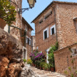 Narrow street old traditional houses village, Majorca island — ストック写真