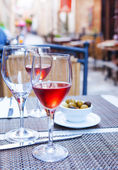 Glasses of rose wine  on the table  — Stock Photo