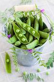 Ervilhas verdes frescas — Foto Stock