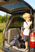 Child Waiting in Van to Leave for Vacation — Stock Photo
