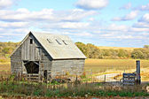 Old Wooden Abandoned Farm Building and Landscape — Stock Photo