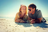Smiling Couple at Beach — Stock Photo