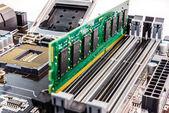 Instalação de memória de computador — Fotografia Stock