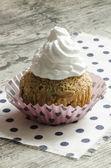 Pumpkin cupcake on table — Stock Photo