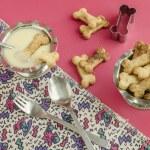 Bone sugar cookies and condensed milk for children's menu — Stock Photo