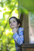 Boy observing nature — Photo