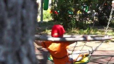 Děti dětské hřiště — Stock video