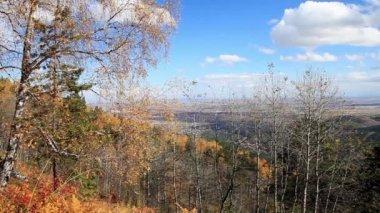View from the mountain a small Church. Belokurikha. Mountain Altai. — Stock Video