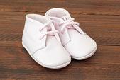 Scarpe bambino carino rosa — Foto Stock