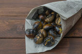 Roasting chestnuts — Stock Photo