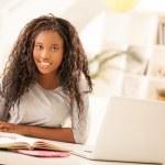 Teenage Girl Doing Homework — Stock Photo