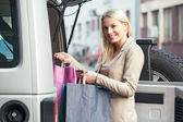 Smiling Woman Shopping — Stock Photo