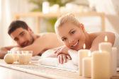 Massagem de casal — Foto Stock