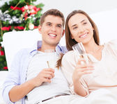 Couple Drinking Champagne — Stockfoto