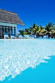 Mauritius yüzme havuzlu ev — Stok fotoğraf