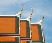 Roof of Wat Pho temple in Bangkok, Thailand. — Stock Photo
