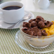 Chocolate cornflakes Corn flakes with milk and coffee — Stock Photo