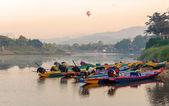 Long tail boats on Song river, Vang Vieng, Laos. — Stock Photo