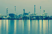 Oil refinery factory at twilight Bangkok Thailand — Foto Stock