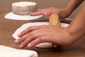 Cake and kitchenware — Stock Photo