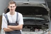 Mechanic smiling — Stock Photo