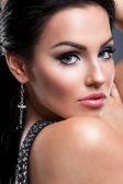 Menina com noite make up e cílios longos — Foto Stock