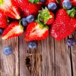 Fresh fruits on wood — Stock Photo #43221959