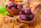 Fruit on wood — Stock Photo