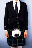 Man in full traditional Scottish kilt outfit — Stock Photo