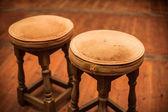 Dvě starožitné židle — Stock fotografie