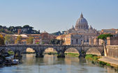 Sant Angelo bridge and Vatican Cathedral in Rome — Stock Photo