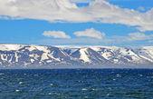 Sea, mountains, sky — Stock Photo