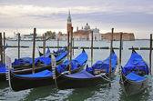 Gondolas and San Giorgio Maggiore — 图库照片