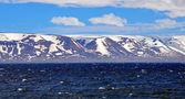 Moře, hory a obloha — Stock fotografie