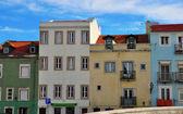 Kleurrijke huizen van alfama — Stockfoto