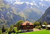 Chalet in Switzerland — Zdjęcie stockowe