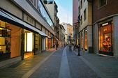 Luxury shopping street in Padova, Italy — Stock Photo