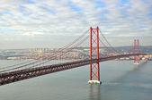 мост золотые ворота в лиссабоне — Стоковое фото
