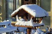 Snowed Bird Feeder — Stockfoto