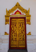 Arte de la pintura de puerta estilo tailandés tradicional — Foto de Stock