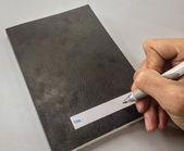 Manos cuaderno de escritura — Foto de Stock