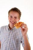 Küçük boy pizza yemek — Stok fotoğraf