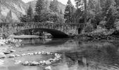 Picturesque Bridge in Yosemite Valley — Stock Photo