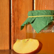 Honey and apple — Stockfoto