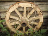 Old fashioned cart-wheel. — Stock Photo