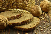 Whole grain bread — 图库照片