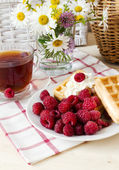 Breakfast with a raspberry — Stock Photo